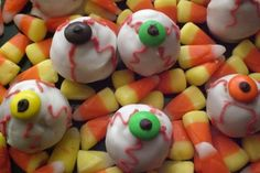Make your kids' day with these fun Halloween recipes!    http://qoo.ly/bjykb