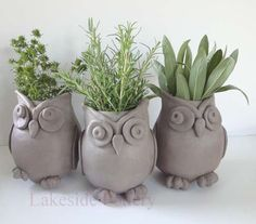 http://www.lakesidepottery.com/Pages/Pictures/Handbuilding-projects-ideas-pictures.html