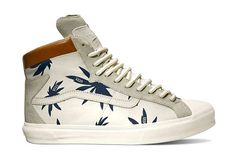 vans vault 2013 spring - The Vans Vault Spring 2013 footwear collection stars the 'TH Reverie Hi LX' sneakers. This shoe marks Van's reunion with contem. High Top Vans, High Top Sneakers, High Tops, Swag Style, My Style, Hip Hop, Tenis Vans, Tropical Fashion, Style Snaps
