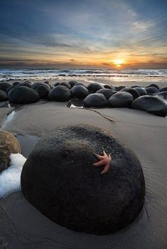 Bowling Ball Beach, Mendocino, California - The Most Breathtaking Beaches Around The World - Photos