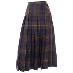 Midi Skirt Outfit, Pleated Midi Skirt, Skirt Outfits, Tartan Clothing, Long Plaid Skirt, Navy And Brown, Navy Blue, Tartan Fashion, Brown Skirts
