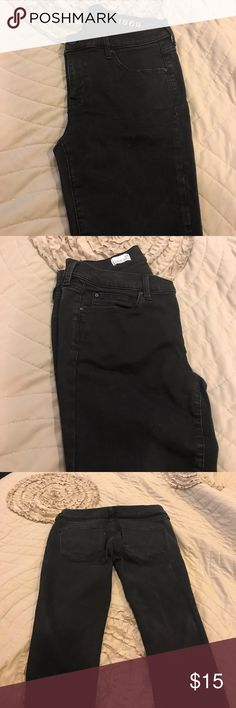 NWOT legging jean NWOT legging Jean from the gap. This fit was hugely popular. Large petite but equate to 30 P GAP Jeans Skinny