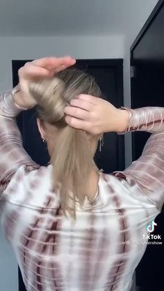 Hair Clip Styles, Front Hair Styles, Medium Hair Styles, Curly Hair Styles, Easy Hairstyles Thick Hair, Clip Hairstyles, Summer Hairstyles, Hair Tips Video, Hair Videos