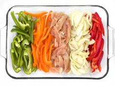 Sliced Peppers Chicken and Onion for Easy Oven Fajitas Recipe Easy Oven Baked Chicken, Baked Chicken Fajitas, Oven Vegetables, Chicken And Vegetables, Healthy Dinner Recipes, Mexican Food Recipes, Healthy Meals, Easy Meals, Healthy Eating