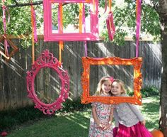 Hanging frames for DIY photo booth. Great idea for kids birthday party! Photo Booth Wall, Photo Props, Photo Wall, Grad Parties, Birthday Parties, Birthday Diy, 16th Birthday, Girl Birthday, Diy Fotokabine