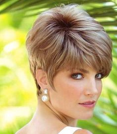 10 latest short layered haircuts for women in 2020 10 fresh short layered hairstyles short layered haircuts 2018 best short … Medium Layered Hair, Short Layered Haircuts, Short Hair With Layers, Short Hair Cuts For Women, Short Hair Styles, Short Bobs, Long Bob Hairstyles, Short Hairstyles For Women, Layered Hairstyles