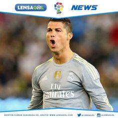 BERITA LENSAGOL - FOOTBALL NEWS  Ronaldo Emosi Kepada Wartawan  Cristiano Ronado terlihat sedang emosi pada saat dirinya diwawancarai oleh salah satu wartawan yang pertanyaannya cukup membuat kesal.  Pemain asal Portugal tersebut ditanya apa yang menjadi penyebab dirinya yang terlihat kesulitan mencetak gol. Sebaiknya saat bertanya kepada saya anda lebih memperhatikan dengan jelas apa yang sudah saya lakukan sebelumnya Kata Ronaldo kepada reporter. Lihat saja jumlah gol yang sudah sukses…