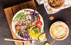 SALATĂ de VARZĂ roșie cu MORCOV și NUCĂ Drink, Eat, Ethnic Recipes, Food, Beverage, Meals, Drinking, Yemek, Drinks