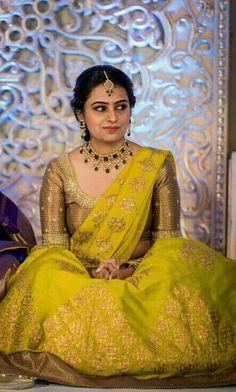 Bride in Rich Emerald Pachi Choker Half Saree Lehenga, Saree Dress, Banarsi Saree, Lehenga Blouse, Sari, Latest Bridal Lehenga, Indian Bridal Sarees, Pattu Saree Blouse Designs, Half Saree Designs