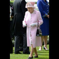 La reine Elizabeth II au Royal Ascot, le 15 juin 2016                                                                                                                                                                                 Plus