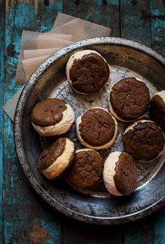 Ginger Cookie & Carrot Cake Ice Cream Sandwiches * http://www.marthastewart.com/342243/pumpkin-gingerbread-ice-cream-sandwiches.