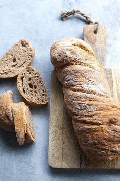 no kneed artisan bread recipe Artisan Bread Recipes, Hungarian Recipes, Bread Baking, Bakery, Food And Drink, Yummy Food, Cooking, Breakfast, Desserts