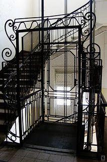 Lithe Elevator Door