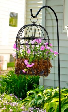 7 Stylish DIY Bird Cage Planters to Accent Your Garden - Garden Lovers Club Diy Garden, Garden Projects, Garden Art, Garden Landscaping, Garden Design, Garden Ideas, Country Landscaping, Landscaping Ideas, Backyard Ideas