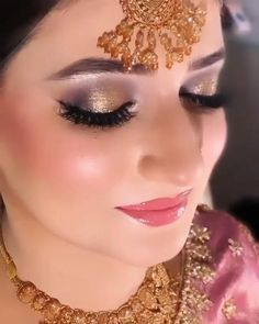 Desi Bridal Makeup, Bridal Makeup Images, Wedding Eye Makeup, Pakistani Bridal Makeup, Indian Wedding Makeup, Bridal Makeup Looks, Bride Makeup, Skin Makeup, Makeup Brushes