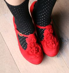 SOUR RED :: CHAUSSURES :: CHIE MIHARA SHOP ONLINE