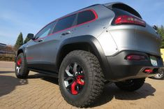 Jeep-Cherokee-Dakar-Concept-rear-three-quarters