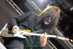 Jim Root (Slipknot, Stone Sour) not a big fender fan, but a nice telecaster!