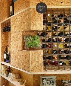 Want a Wine Wall like this! A modern bar. Shed Interior, Office Interior Design, Office Interiors, Design Industrial, Rustic Design, Industrial Style, Osb Board, Bar A Vin, Counter Design