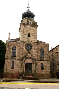 Synagogue de Saverne 1900 Jewish Synagogue, Jewish Temple, Synagogue Architecture, Art And Architecture, Alsace, Temples, Throughout The World, Around The Worlds, Jewish History