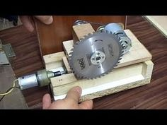 Table SAW - Automatic Lifting Table Saw - Otomatik Tezgah Testere - PART 1 - Y. Diy Projects Plans, Easy Craft Projects, Home Tools, Diy Tools, Best Circular Saw, Diy Table Saw, Homemade Tools, Woodworking Jigs, Saag