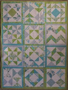 HST Quilt, all HST & sashing, borders - idea Half Square Triangle Quilts Pattern, Pinwheel Quilt Pattern, Square Quilt, Quilt Patterns, Sewing Patterns, Quilting Blogs, Quilting Tutorials, Quilting Projects, Quilting Designs