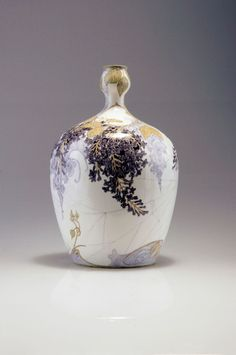 "** Rozenburg, Den Haag, ""Eggshell"" Porcelain vase, painted by Schellink, Samuel."