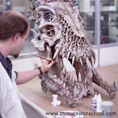 Bruce Spaulding Fuller adds boney hues to an alien skull mounted in Predator's trophy room in PREDATOR Character Creator, Fantasy Character Design, Character Art, Arte Horror, Horror Art, Alien Skull, Predator 2, Creepy Tattoos, Horror Masks