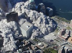 Aerial pictures, many never seen before, of the September 11 2001 attacks on the World Trade Center in New York City. World Trade Center Collapse, World Trade Center Attack, Trade Centre, 911 Never Forget, Lest We Forget, 11 September 2001, April 21, Photo New York, Washington Dc
