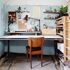 This is the delightful backyard studio of Lucile Sciallano aka @lapetitefabriquedebrunswick , an object designer who makes ceramics. Lucile is from France, trained in the Netherlands and is now based in Melbourne, where she is working on exciting new projects involving 3D printed ceramics! Pics by @annetteobrien link in profile