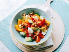Salade met paprika en mozzarella (koolhydraatarm)