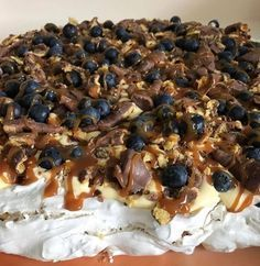 After many questions about this cake, I put together … – Pastry World Candy Recipes, Sweet Recipes, Baking Recipes, Dessert Recipes, Pavlova, Norwegian Food, Scandinavian Food, Dessert Drinks, Snacks