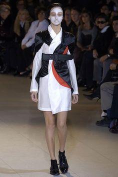 Comme des Garçons Spring 2007 Ready-to-Wear Fashion Show - Svetlana Zelezova (SUCCESS)