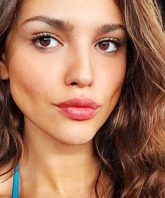 She don't need makeup! She's beautiful lol that look how beautiful she is! She don't need makeup! Clara Molina, How Beautiful, Gorgeous Women, Aquarius, Mexican Actress, Vampire, Natural Makeup Looks, That Look, Actresses