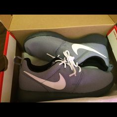 Nike Rosche grayish blue Shoes