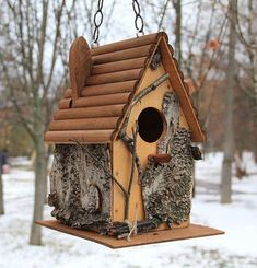 Rustic Wood Birdhouse Design Ideas, Natural Choices for Feathered Friends Wooden Bird Houses, Bird Houses Diy, Fairy Houses, Mini Houses, Contemporary Birdhouses, Ceramic Roof Tiles, Rustic Wood Crafts, Pallet Crafts, Homemade Bird Houses