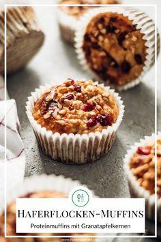 Super schnelle und einfach zubereitete Haferflocken-Protein-Muffins, die sich auch noch als super Energie-Frühstück eignen. Pro Muffin 8,5 g Eiweiß! Protein Snacks, Protein Muffins, Food Porn, Super, Sweets, Breakfast, Fitness, Rolled Oats, Almonds