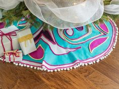Holiday Craft Ideas from HGTV: DIY No-Sew Tree Skirt >> http://www.hgtv.com/design/make-and-celebrate/handmade/our-65-favorite-handmade-holiday-decorating-ideas-pictures?soc=pinterest