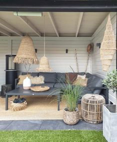 Discover recipes, home ideas, style inspiration and other ideas to try. Pergola Designs, Patio Design, Beach House Deck, Bali Style Home, Balinese Decor, Outdoor Dining, Outdoor Decor, Corner Garden, Backyard Lighting