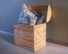MODERN AGE DESIGNS Pallet Patio Furniture, Treasure Chest, Storage Chest, Cabinet, Power Tools, Modern, Design, Home Decor, Clothes Stand