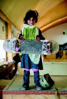 Meet The Kick-Ass Skater Girls Of Afghanistan Jessica Fulford-Dobson: Skate Girls of Kabul will be on view at Saatchi Gallery in London from April Photo Exhibit, Afghan Girl, Skate Girl, Saatchi Gallery, Skateboard Girl, Portraits, Bored Panda, Afghanistan, Bellisima