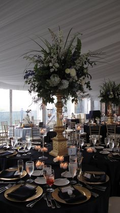 Nancy Swiezy Of A Newport Affaire Planned this Wedding at Castle Hill Newport R.I.  nancysweizyevents.com
