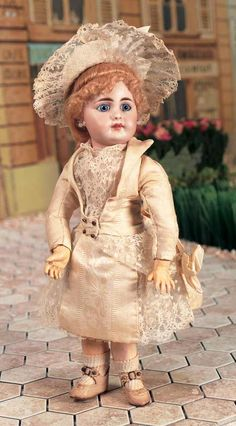 All-Original German Bisque Doll,939,by Simon & Halbig in Original Costume