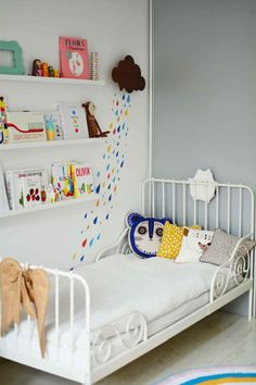 Lila's room, little girls heaven, love the rain drops on the wall, we have similar patterns in Tutete.com