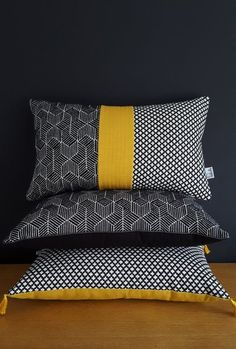 Image of Coussin Trio Black Mustard Sewing Pillows, Diy Pillows, Decorative Pillows, Scatter Cushions, Cushions On Sofa, Sofa Design, Pillow Design, Cushion Covers, Pillow Covers