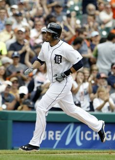 J.D. Martinez rounds the bases after hitting a solo home run, 06/19/2014