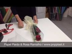Wrapping single felt rose (easy) | cara membungkus 1 tangkai mawar flanel mudah - YouTube