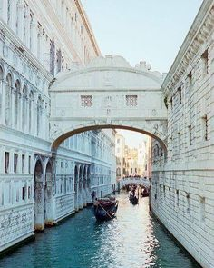 Şu an burada olmak isteyen? Venedik İtalya. by gormenizlazim