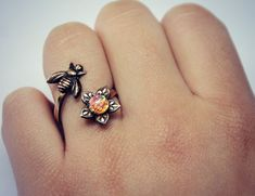 Hungry Bee Ring