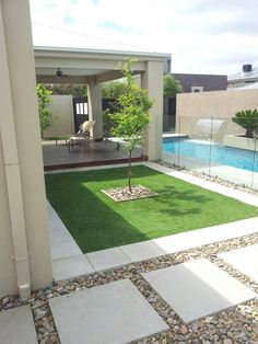 Love this outdoor landscaping landscaping pavers Front House Landscaping, Backyard Patio Designs, Small Backyard Landscaping, Modern Backyard, Swimming Pools Backyard, Patio Ideas, Diy Concrete Patio, Back Garden Design, House Landscape